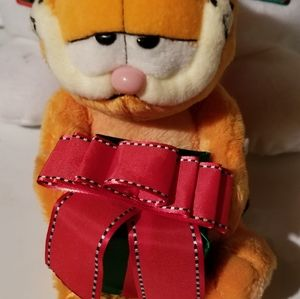Garfield Holiday Santa Retired Stuffed Animal